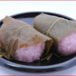 桜餅の季節到来。関西と関東のレシピの違いとは。葉っぱは食べるの?おいしくするにはコツがいります。
