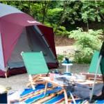 キャンプ用品で必須のグッズと初心者におすすめのオートキャンプ場