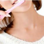 虫歯と歯周病予防はこれでキマリ!電動歯ブラシと普通の歯ブラシはどっちがいい?