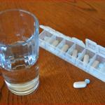 薬の危険な飲み合わせとは!牛乳と抗生剤はダメ?そんなの常識です。